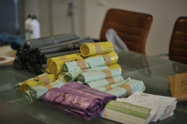 Dal 3 maggio consegna ai residenti del centro storico dei sacchi per i rifiuti